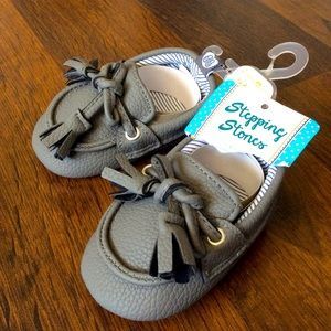 NWT stepping stones baby 3-6 months Crib Shoes